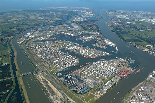Rotterdamse haven Botlek